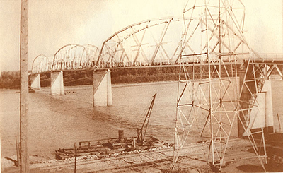 old-auto-bridge-400